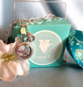 Origami Owl Lockets: a Flash Valentine's Day Giveaway!