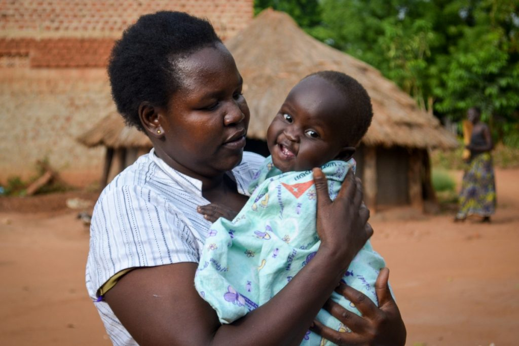 giving-tuesday-blankets-uganda